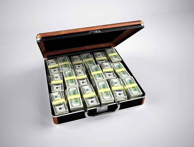 peníze, kufřík