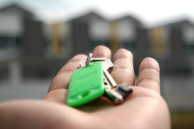 klíče s přívěskem
