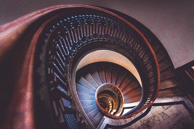 spirálové schodiště.jpg
