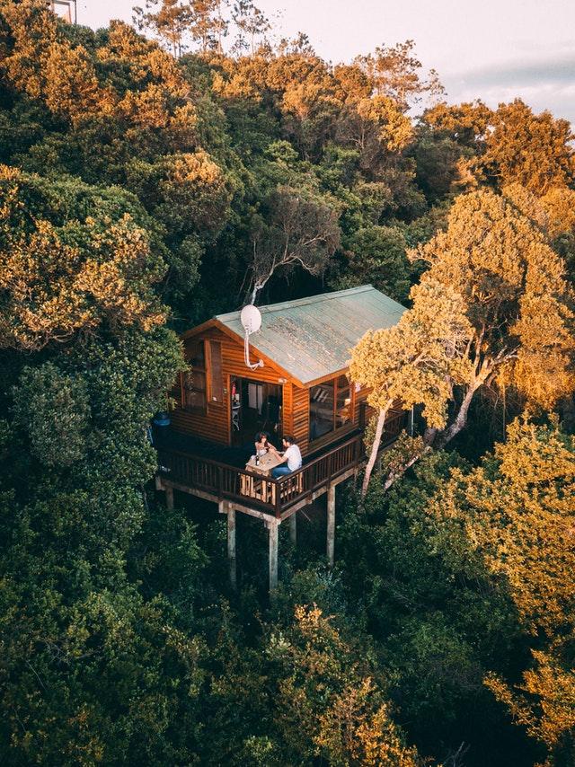 mobilní dům uprostřed přírody